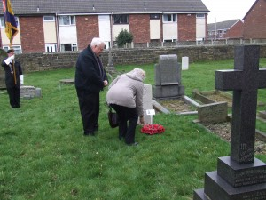 Tony Dunlop, PROJECT BUGLE and D Bedford, great niece of Fred Cooke lays a wreath