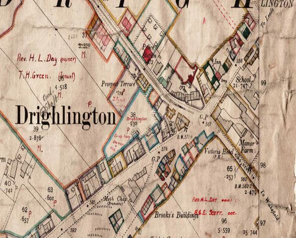 A map of Drighlington Cross Roads in 1908 showing the Victoria right on the Cross Roads and the Spotted Cow in Whitehall Road, opposite the old school.