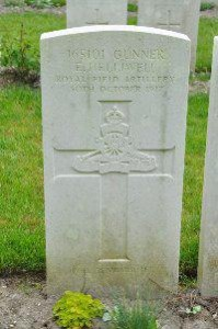 The grave marker for Ernest Helliwell in Etaples Military Cemetery, France.